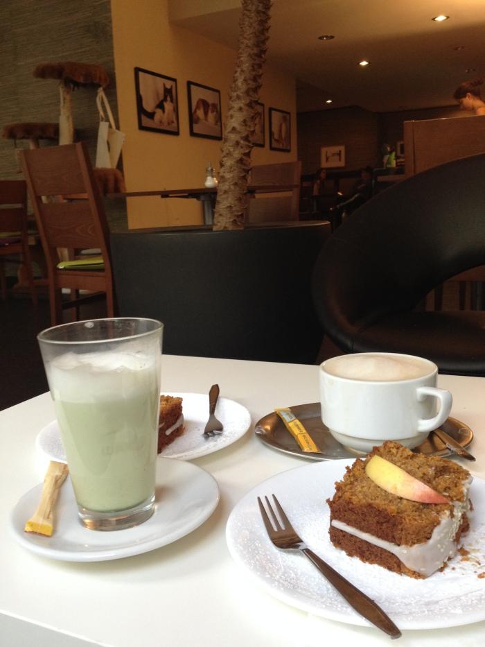 Katzentempel_Kaffee-Kuchen